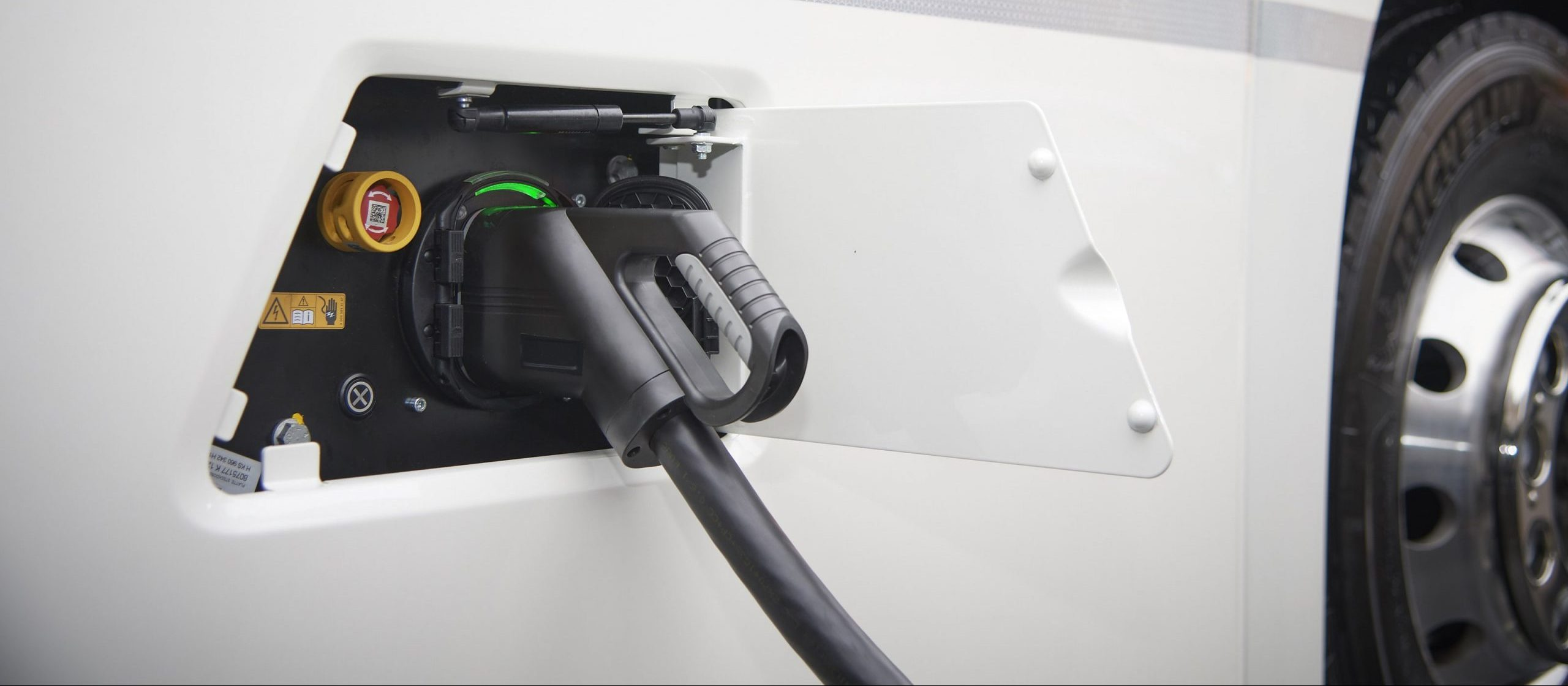 Charging e-truck